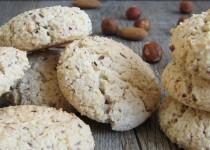 Petits biscuits craquants aux noisettes